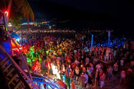 Full Moon beach party,welcome!