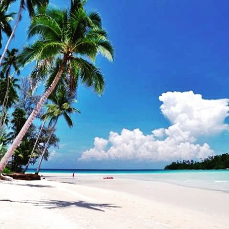 White sand clear water at Koh samui Island,welcome everyone!